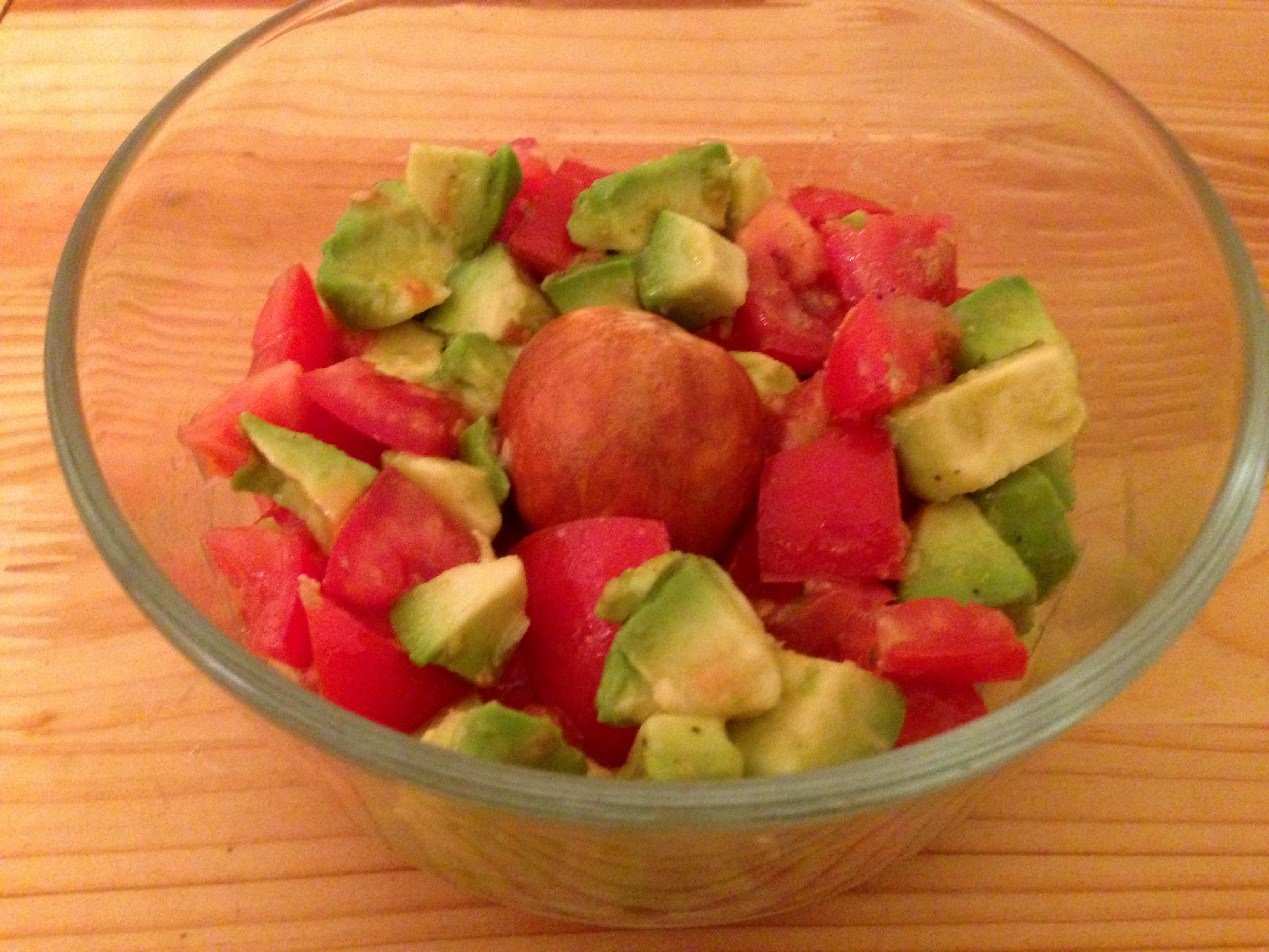 tomato avocado salad with pit