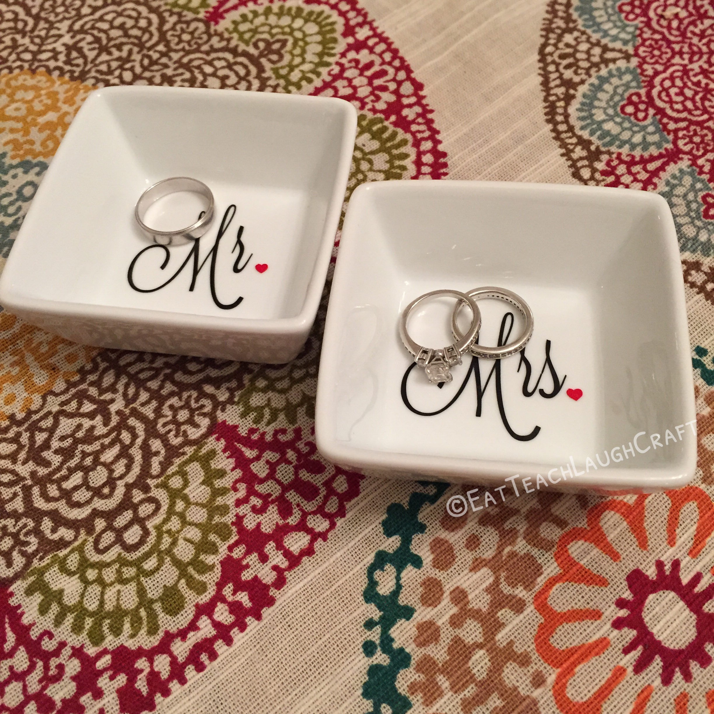 Silhouette portrait - Mr and Mrs ring dish